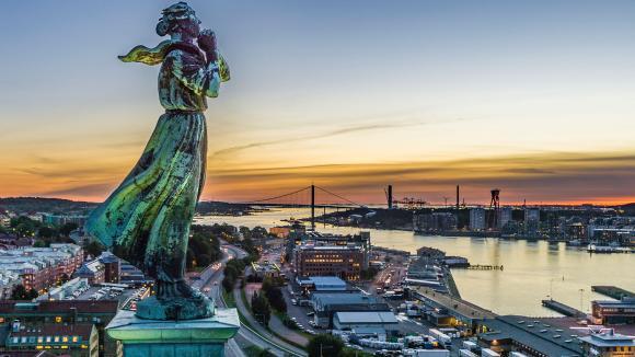 Sjömanshustrun blickar ut vid Göteborgs inlopp